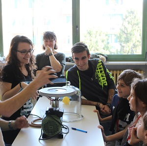 Peer education nel laboratorio di fisica